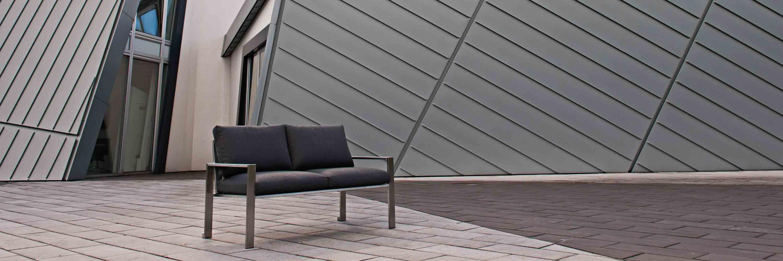 Lizzy Heinen Gartenmöbel: Stilvolle Gartenbank aus edlem Edelstahl