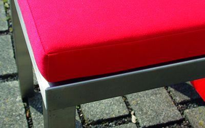 Hockerpolster Möbel aus Edelstahl Lizzy Heinen