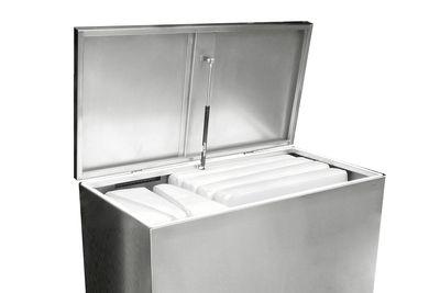 Edelstahlpolsterbox Design von Lizzy Heinen
