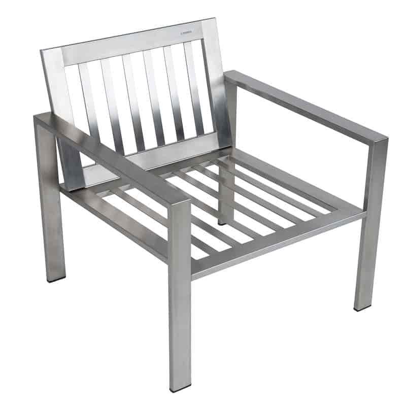 Stilvoller Designer-Sessel aus Edelstahl für den Garten im zeitlosen Design von Lizzy Heinen.