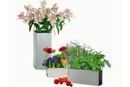 Stilvolle Designer-Dekoration für den Garten aus Edelstahl von Lizzy Heinen.