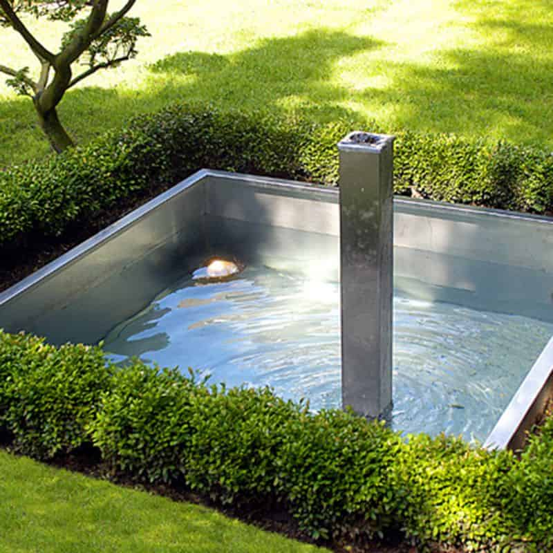 Brunnen aus Edelstahl